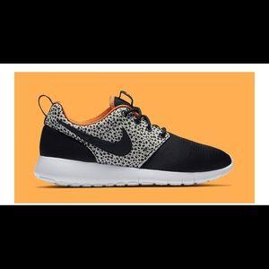 Nike Roshe One Safari Sneaker